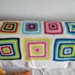Granny-Squares für die linke Ecke des Sofas.