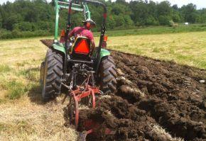 lucrari agricole aratul