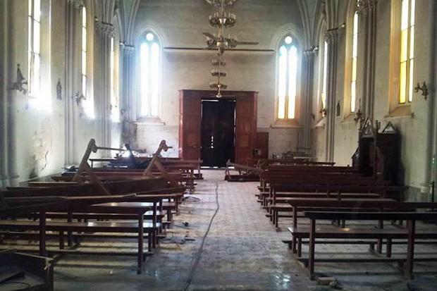 Foto per l'incendio delle Chiesa di St. Teresa Ad Assiut Egitto