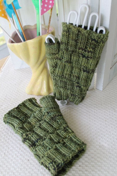 Scarf And Mitts For The January Weather Stitches By Debbie