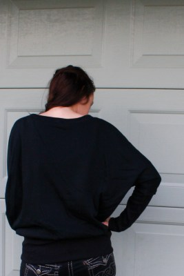A Garment A Week - Week 35 - Black knit batwing sleeve Sweatshirt with ribbed waistband - stitchremedy.com