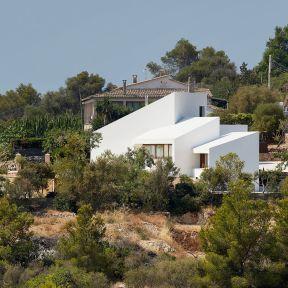 mm-house-oliver-hernaiz-architecture-lab-palma-de-mallorca-spain_dezeen_2364_col_15