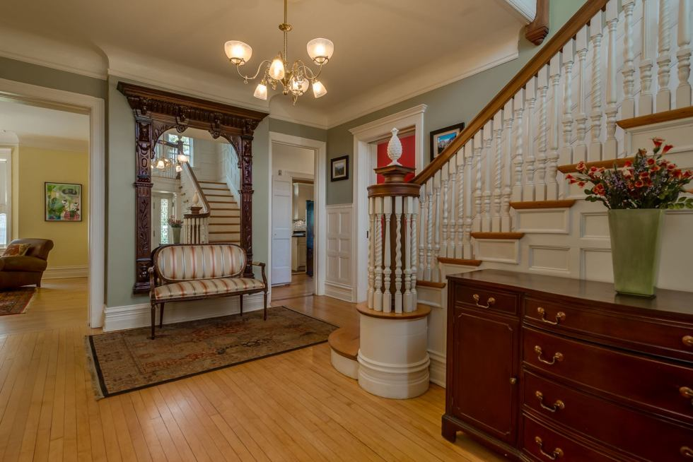 Photographs of a home on Westminster Place in the Central West End of St. Louis, Missouri for Dielmann Sotheby's International Realty agent Ted Wight