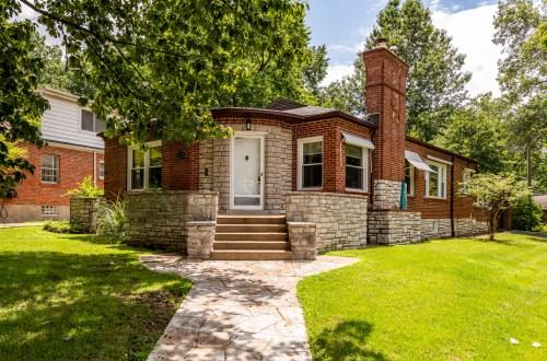 Charming St. Louis Hills Home | 6772 Devonshire Avenue