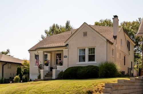 Brentwood Bungalow With Large Addition | 8780 Pine Avenue