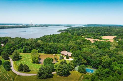 Custom Home Overlooking The Mississippi River | 4900 Manitou Trail | Godfrey, Illinois