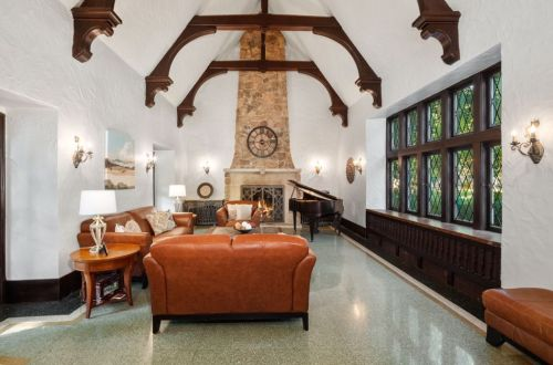Hall of Flame: 10 Homes with Exceptional Fireplaces