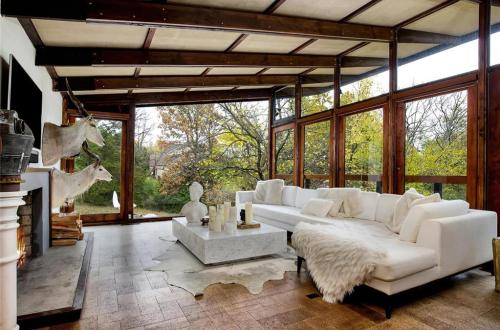 Mid-Century Architect Robert Elkington's Home for Sale | 1520 Carman Road