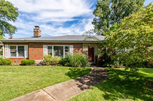 Updated 2 Bedroom Home in Popular Delprice | 8745 West Kingsbury Avenue