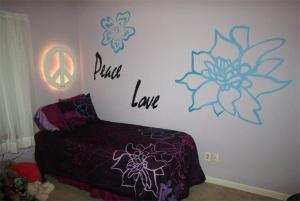 logo art painted girls room