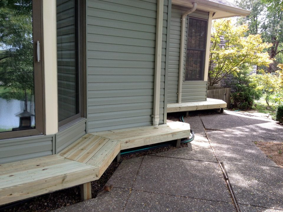 deck bulding and staining
