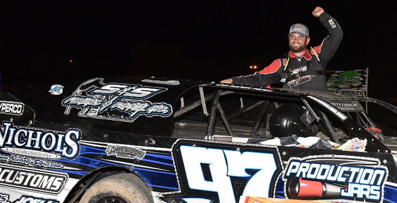 Dillard thrills Shady Oaks Speedway spectators
