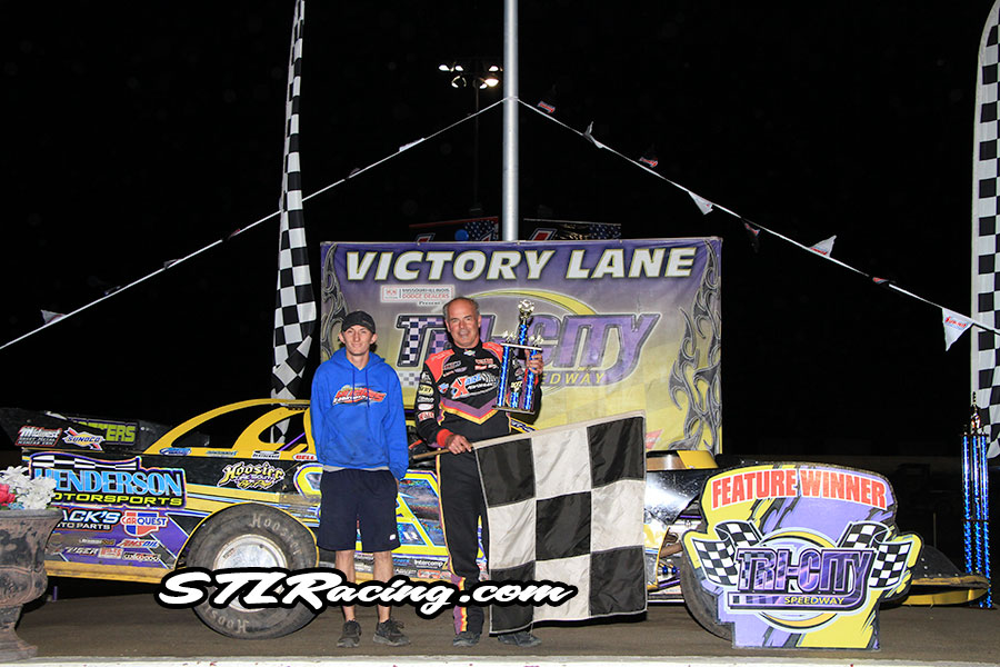 Billy Moyer takes Tri-City Speedway victory!
