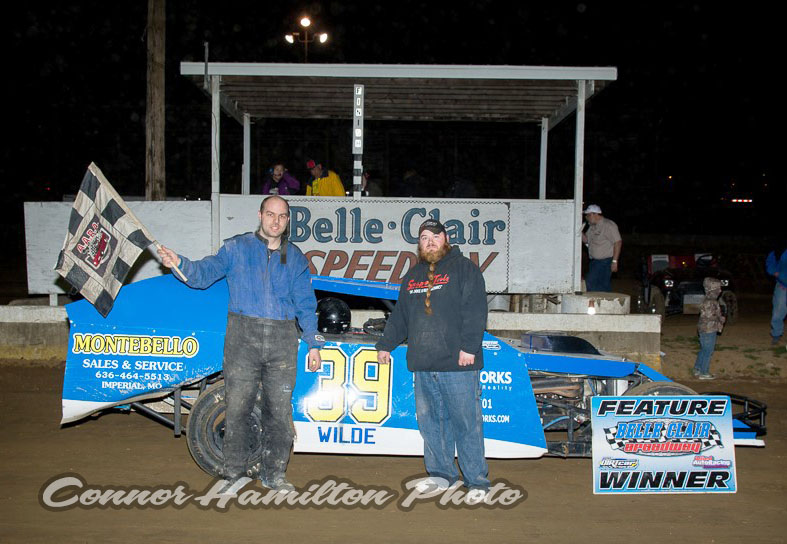 Kyle Wilde take UMP Pro-Modified win at Belle-Clair Speedway