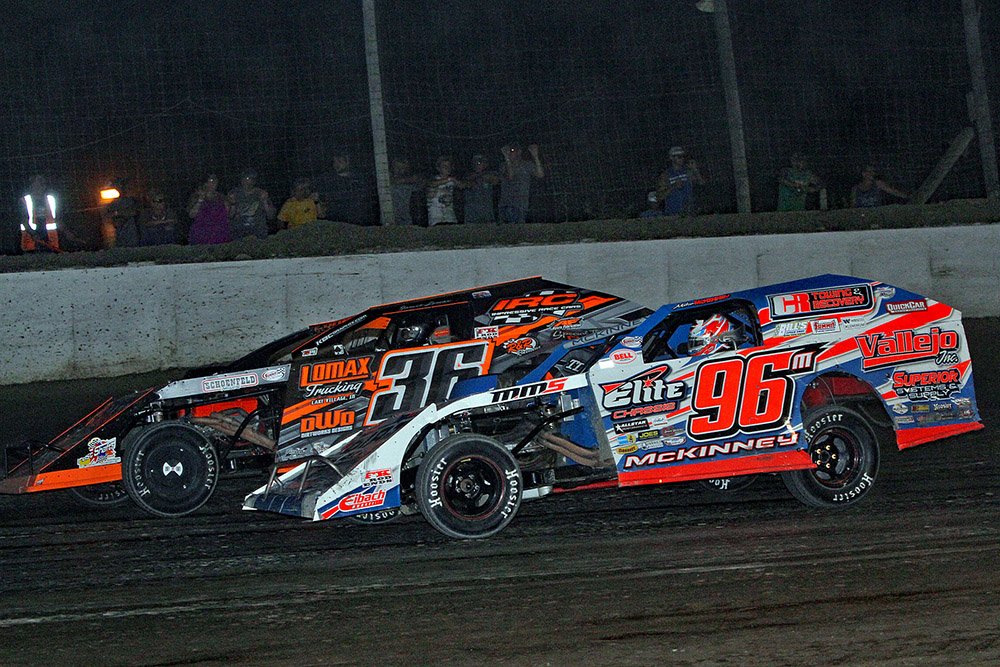 Mike McKinney grabs Summit Modified Nationals win at Oakshade Raceway finale!