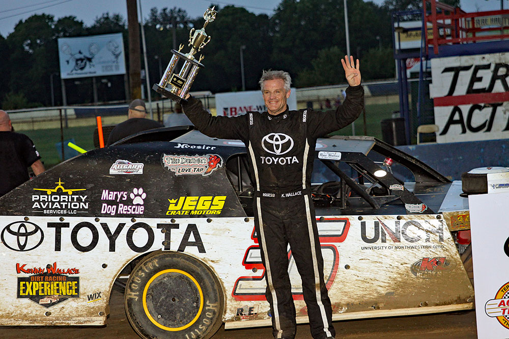 Kenny Wallace takes win at Terre Haute Action Track!