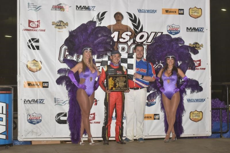 Kyle Larson Motors To Warren CAT Qualifying Night Win at Chili Bowl