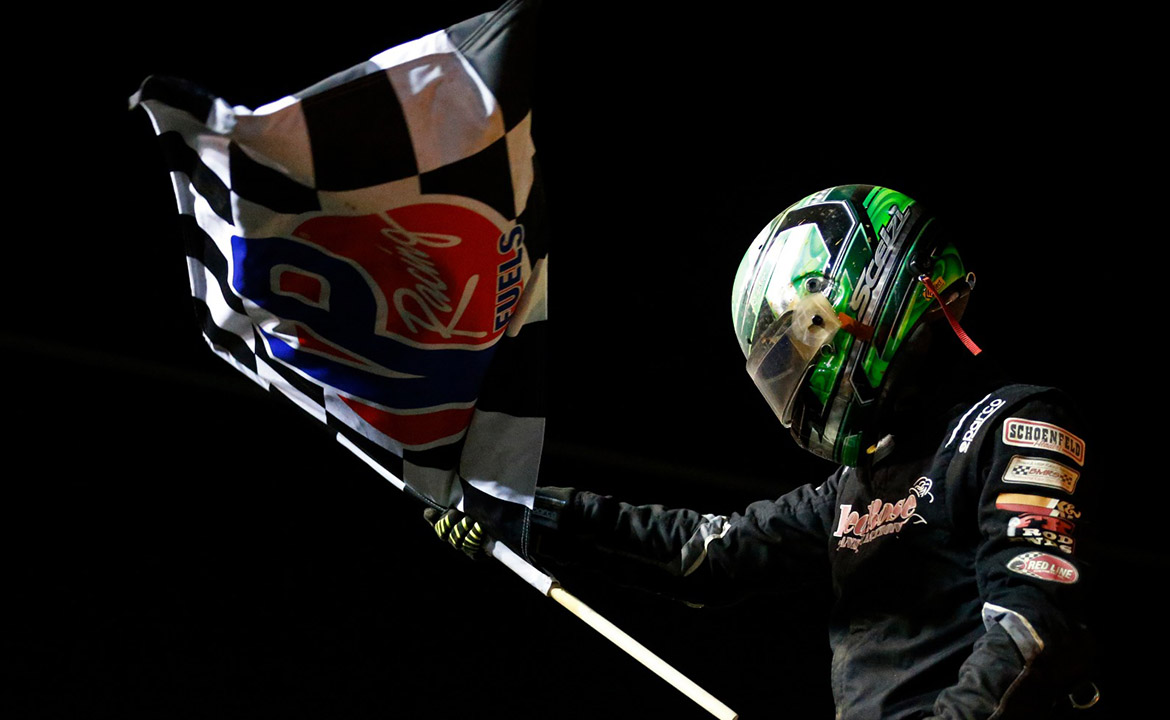 Gio Scelzi beats NASCAR's Kyle Larson to win first night of the World of Outlaws' Patriot Nationals