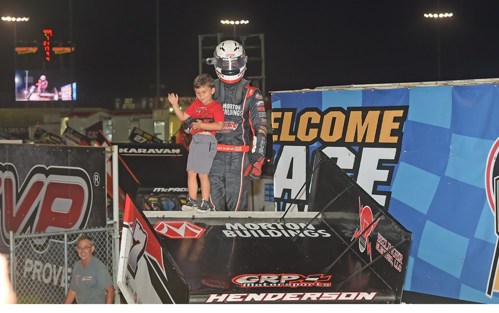 fireworks finale goes to justin henderson at knoxville saturday stlracing com justin henderson