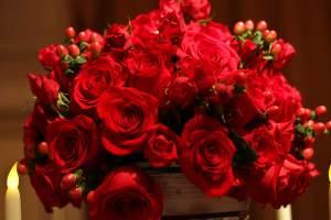 medallion-ball-roses