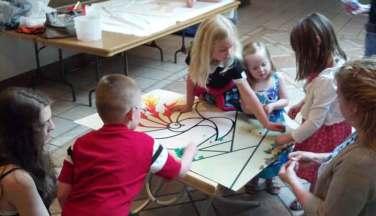 Kids-Doing-Art