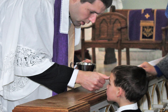 Ash Wednesday: distribution of ashes