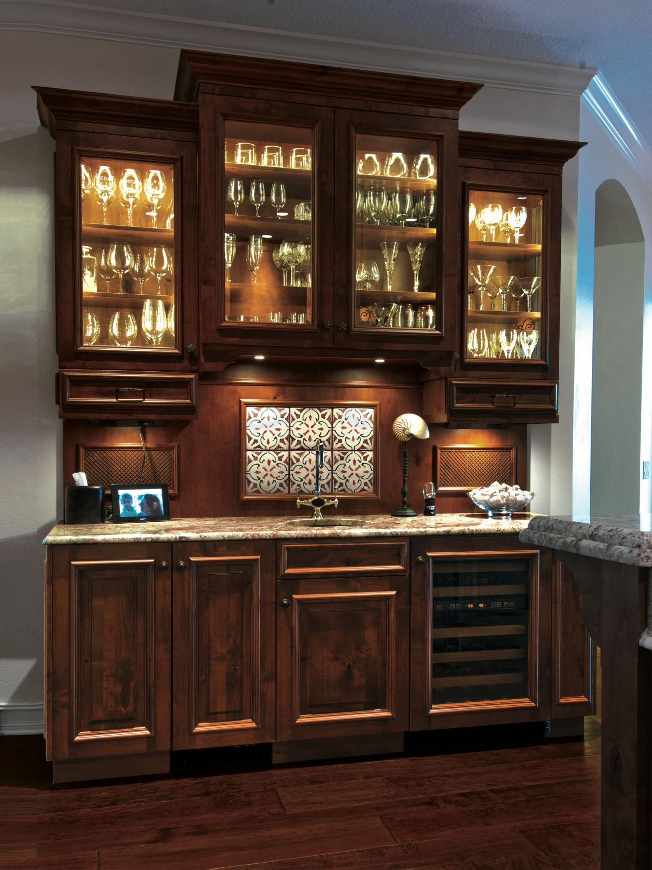 The Entertainers Guide To Designing The Perfect Wet Bar