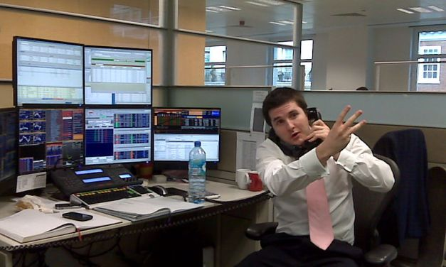 Should You Use An Online Stockbroker?