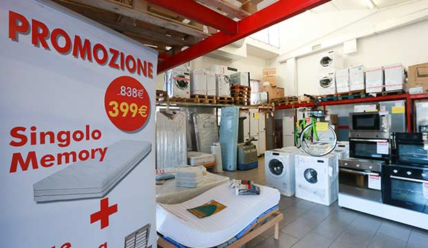 Materasso A Molle O Memory Foam.Outlet Materassi Milano Stock E Fallimenti Cornaredo Milano