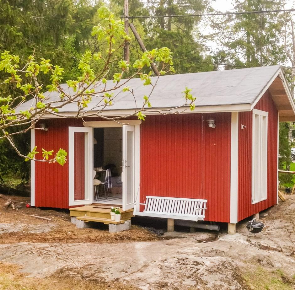 Das Gästehaus mit Sauna an unserem Ferienhaus Stockholm in Schweden auf dem hinteren Teil des Grundstücks.