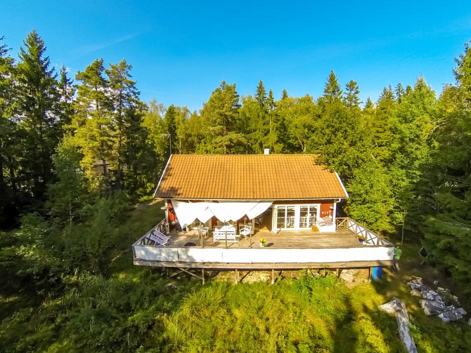 Die große Terrasse unseres Stockholm Ferienhauses.