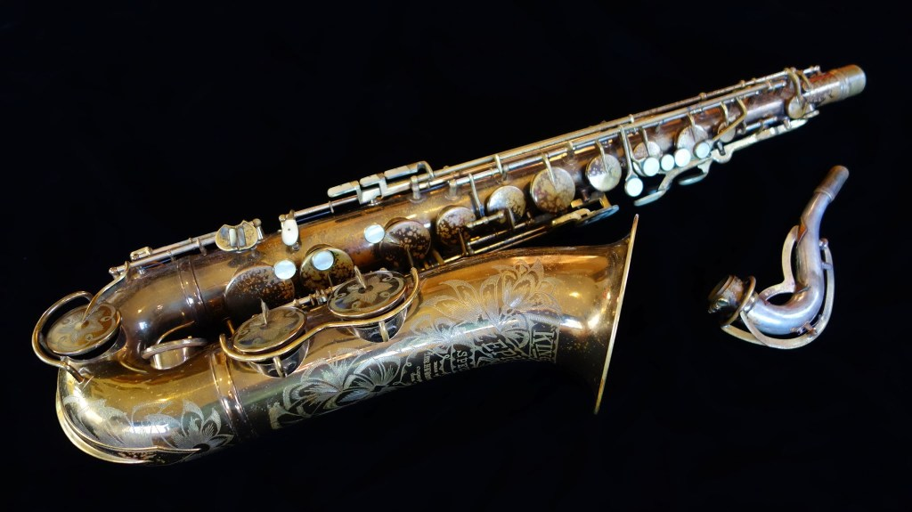 1941 King Zephyr Special Tenor.