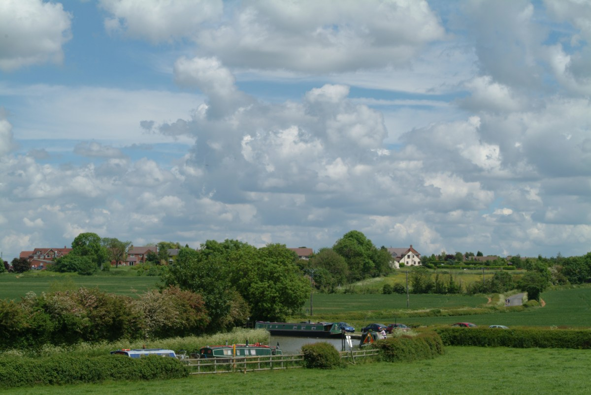 The Bath Piece (Ashby Canal) looking towards Dadlington