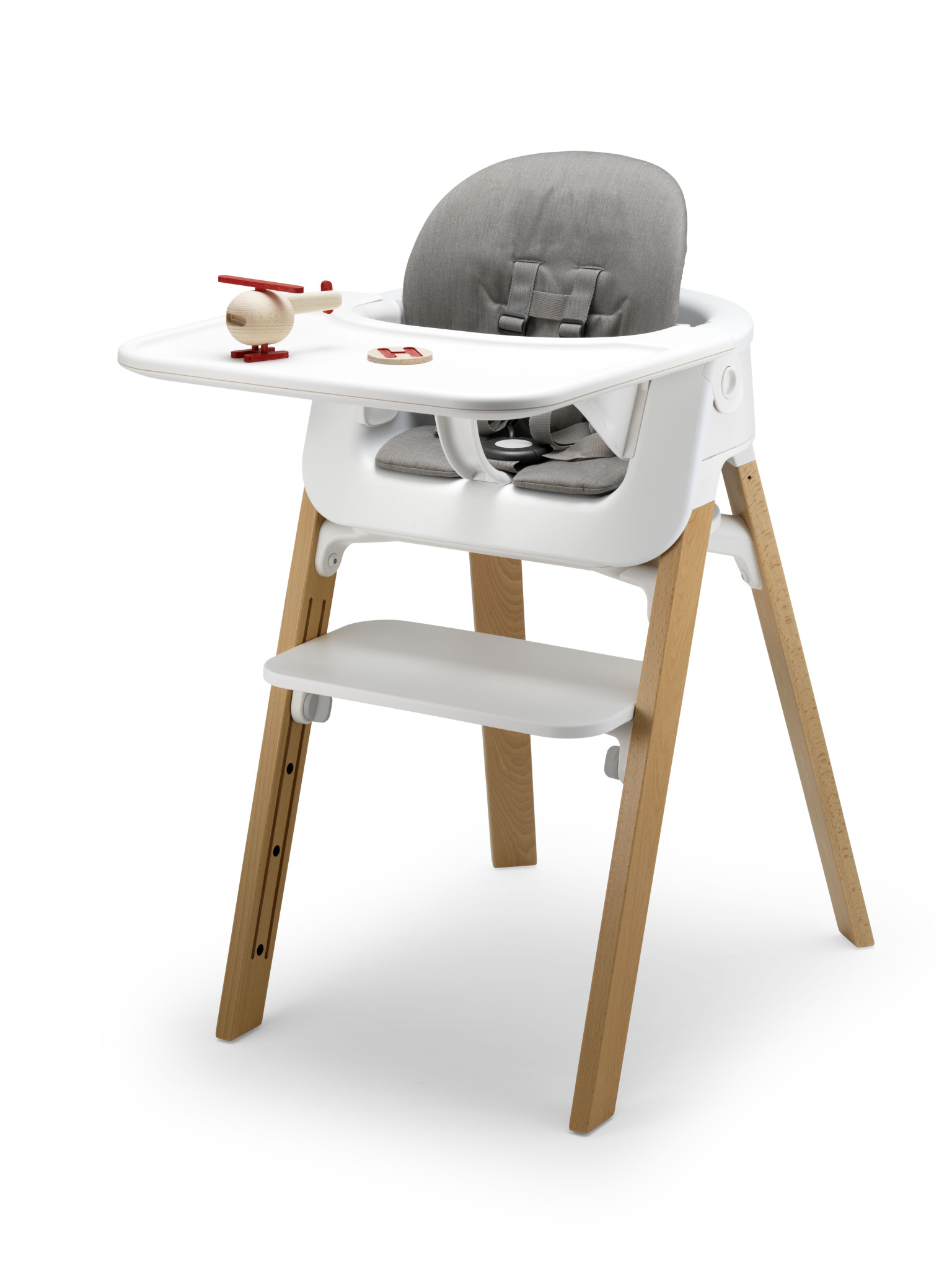 first step high chair folding lawn lounger stokke steps red dot award
