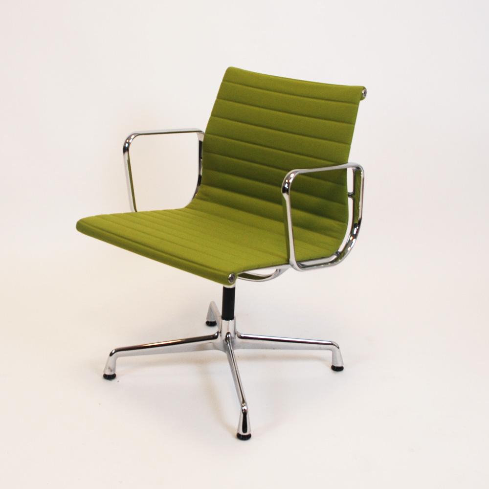 EA 108 Stuhl von Vitra  Design gebraucht  Stoll Online Shop