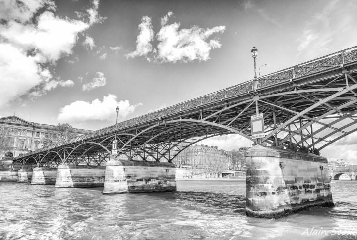 {005} Pont des Arts