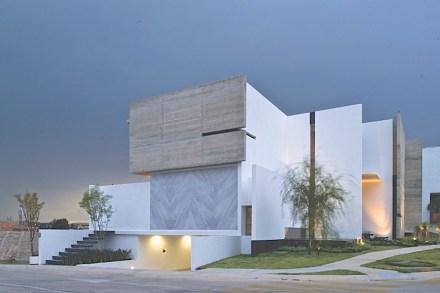 Meist sind solche künstlerischen und auch teuren Verwendungen von Naturstein auf Innenräume beschränkt.