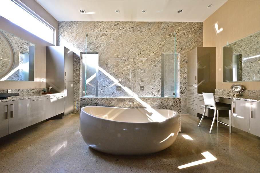 Ein Wilder Stein Aus Brasilien In Einem Badezimmer In Den Usa