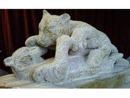 """Tiger cubs"". Ham stone 1 m x 400 x 500 mm."