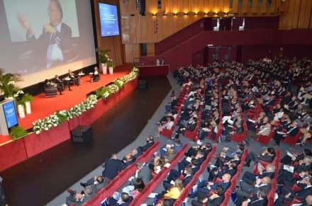Zu den Attraktionen der Cersaie gehört ein Kongress zu Themen aus Architektur und Design. Foto: Bologna Fiere