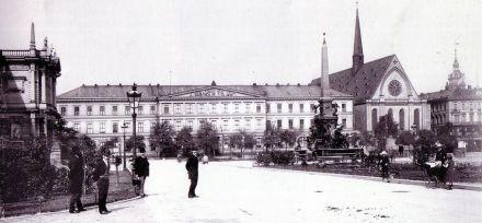 Photo around 1890. Source: Wikimedia Commons