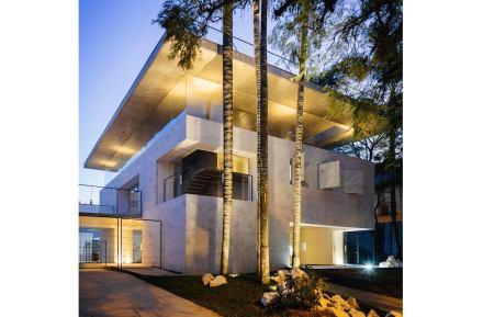 Escritório de arquitetura Triptyque: edifício Groenlândia em São Paulo.