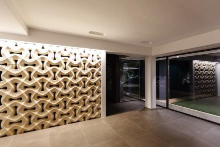 "Studio 4e: ""Courtyard House of Stone""."