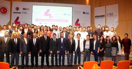 Award-winners and Imib-Officials at the award ceremony - President Ali Kahyaoğlu, fifth from left, first row. Photo: Imib