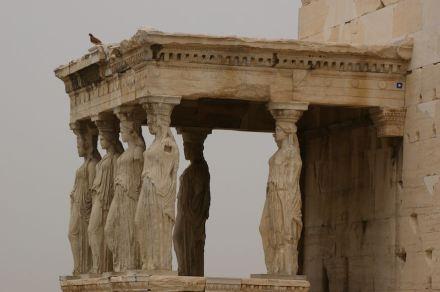 Caryatids at the Erechtheion. Photo: jacme31 / Wikimedia Commons
