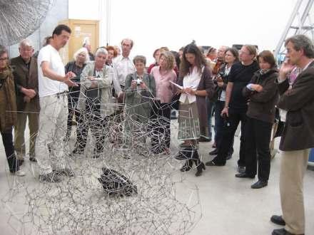 """Mancherorts wird beim """"New Year's Brunch"""" nicht nur """"gebruncht"""", sondern werden auch Künstlerateliers besucht. Foto: Bernd Stieghorst / Sculpture Network"""
