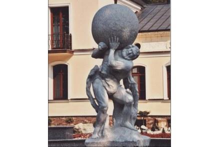 """Também recebeu um dos prêmios principais uma figura de Hércules """"Herkules Gostyniński""""."""