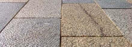 Nicht nur das bindet das Ensemble der Bahnhofstraße von Anfang bis Ende zusammen. Der markante Straßenbelag trägt zu diesem Effekt bei. Foto: Clemens Franke