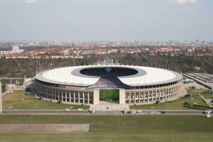 Vom Glockenturm hat man einen großartigen Blick auf das Olympiastadion und über die Stadt.
