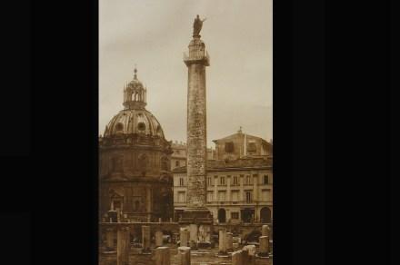 Com a coluna de Trajano o senado homenageou este imperador ainda em vida. Detalhes na coluna reportam em diversos detalhes suas muitas batalhas.